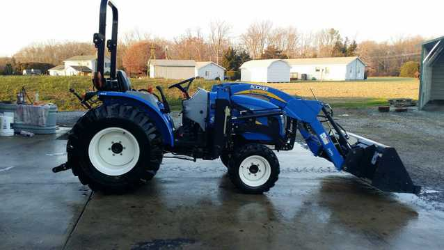2013 New Holland Tractor 38hp 4x4 At $2800