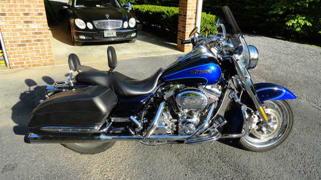Very Cool 2008 Harley - Davidson Cvo Road King Flhrse Very Cool