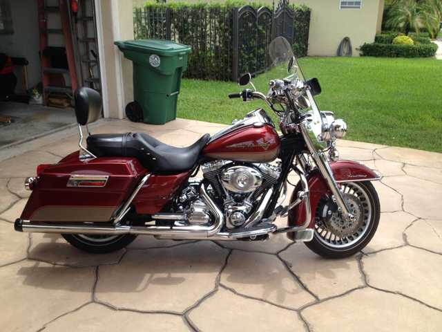 Great Riding Condition 2009 Harley Davidson Road King Motorcycle
