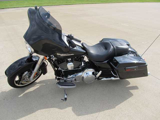 2010 Harley - Davidson Flhx - Street Glide Extremely Clean