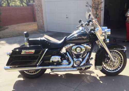 Absolutely Stunning 2010 Harley - Davidson Road King Flhr