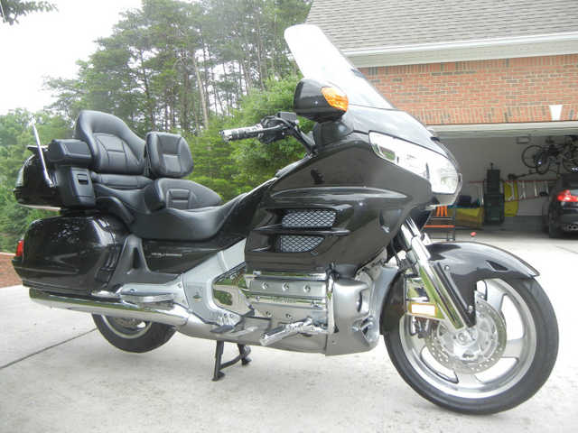 Runs And Drives Great 2010 Honda Gold Wing Gl Runs And Drives Gre
