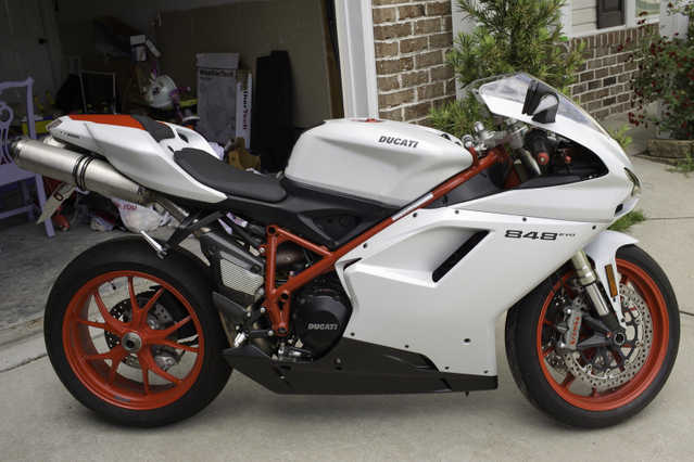 Very Very Good Conditions 2011 Ducati 848 Evo Whitered