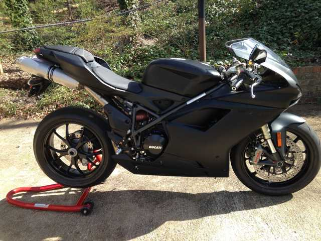Pristine Conditions 2013 Ducati 848 Evo Dark Superbike