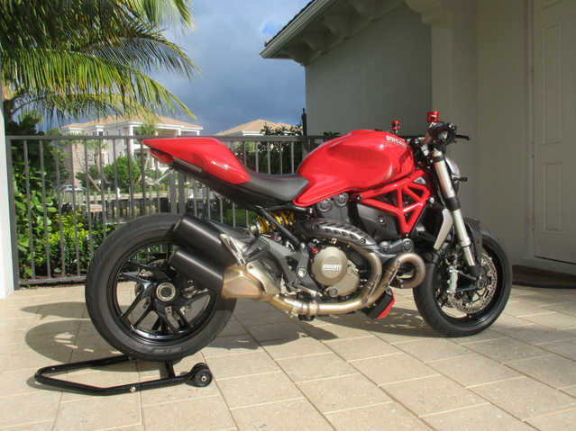 2014 Ducati Monster 1200 Mint!