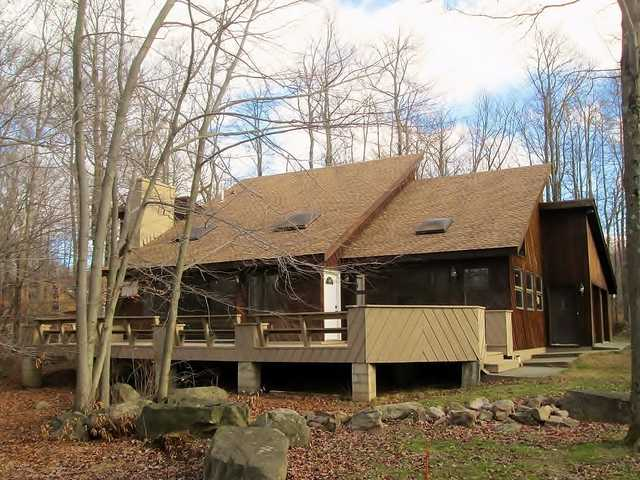 Pocono 4 Br 3 1 / 2 Ba 2 Car Garage $165,000 Owner