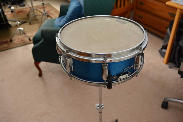 Laboz Vintage 14 Blue Snare Drum With Stand - $60