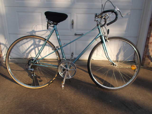 Concord Mixtee Women's 10 - Speed Bicycle