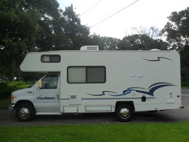 Great Riding Condition 2002 Coachmen Catalina 220