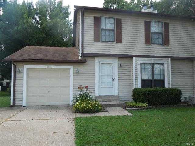 2 Bed, 2.5 Bath Townhome W / 1 Car Garage