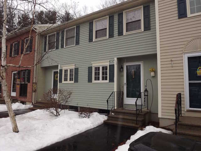 Spacious 2 Bedroom, 2 Bath Townhouse In Fox Hollow