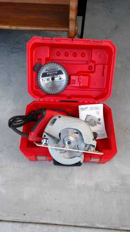 Milwaulkee 15v Circular Saw