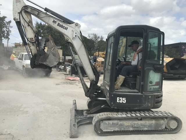 Construction Equipment, Trucks & Tools Bankruptcy Auction - 2 - 27
