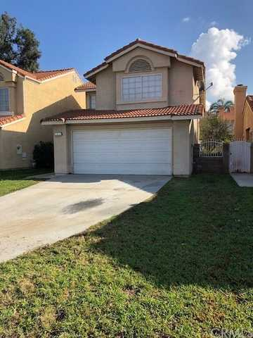 Charming 3 Bed, 2.5 Bath Home For Rent.