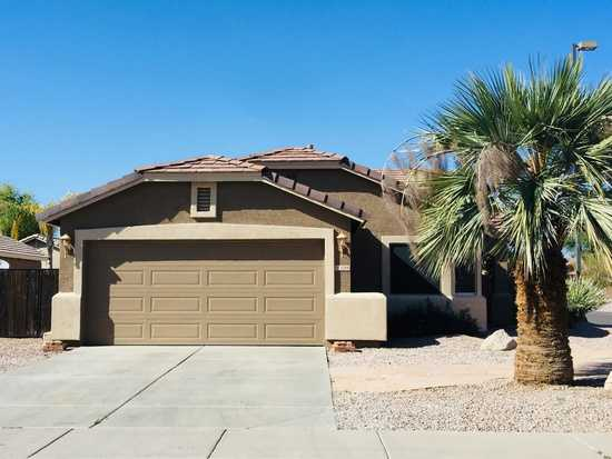 Beautiful 3br, 2ba Home Corner Lot.